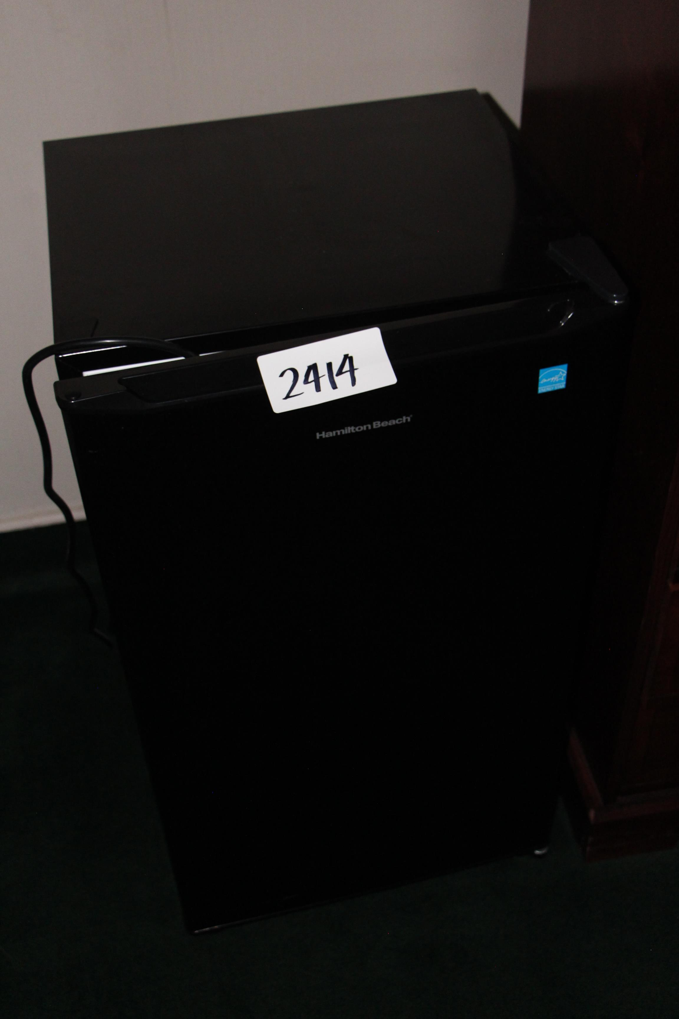 Lot 2414 - Hamilton beach bar fridge