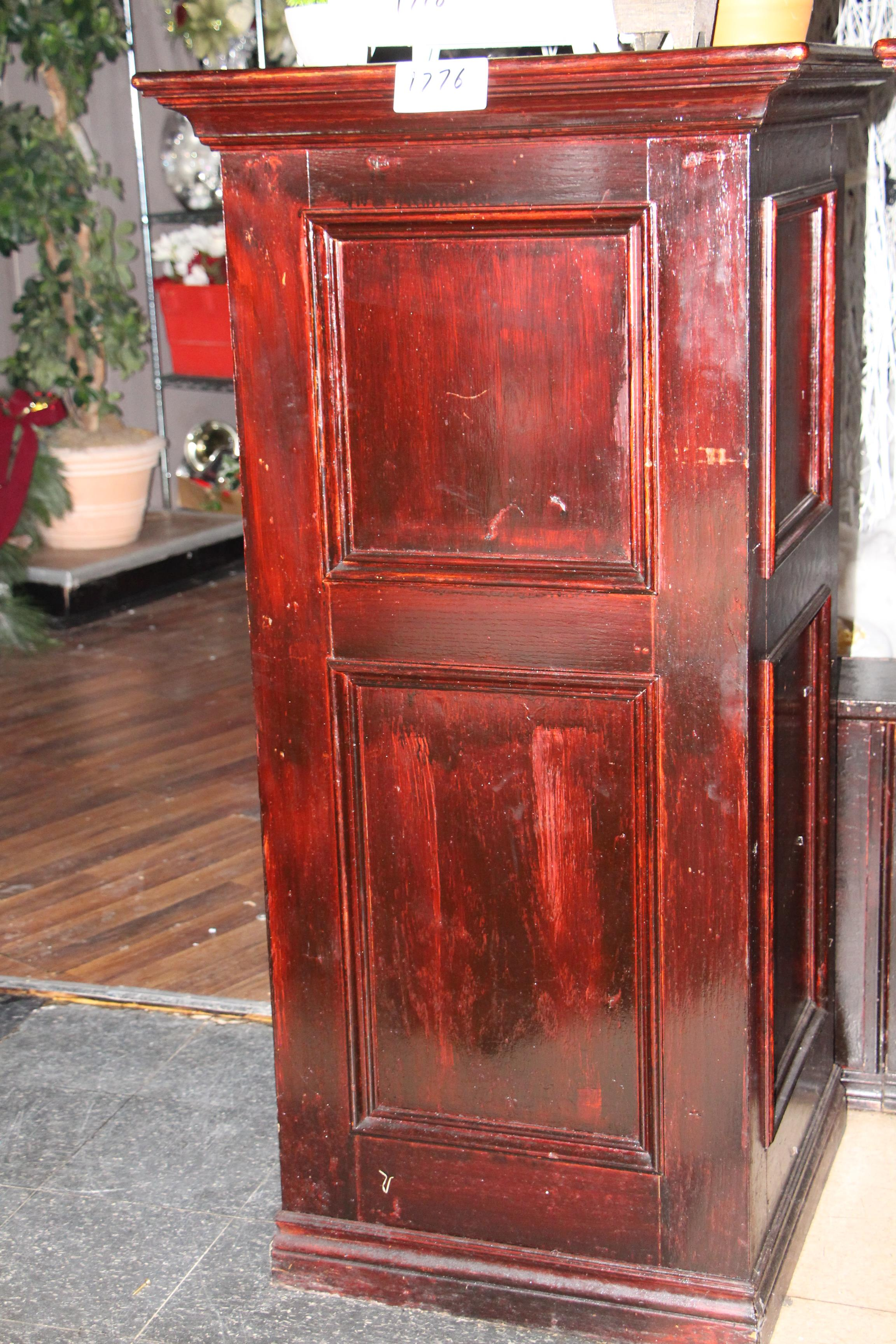 Lot 1776 - Wooden pillar
