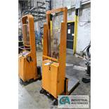 1,000 LB PORTABLE, BUILT-IN CHARGER HYDRAULIC DIE LIFT