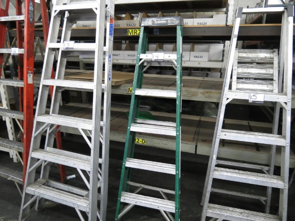 Lot 4 - Husky 6 Ft Ladder