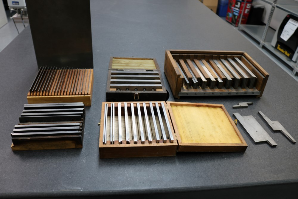 8 x 10 and 8 x 12 Angle Plasts. Large Lot of Parrellels Various Sizes - Image 4 of 11