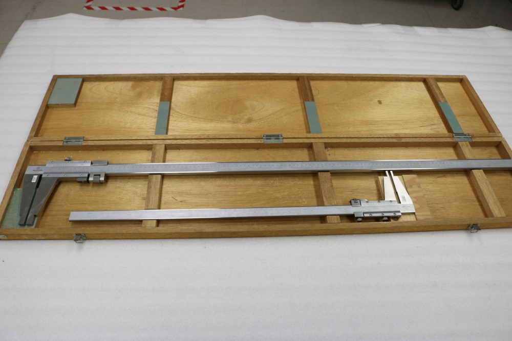 "Mitutoyo 0.001 - 40"" and 0.001 - 24"" ID/OD Vernier Calipers"