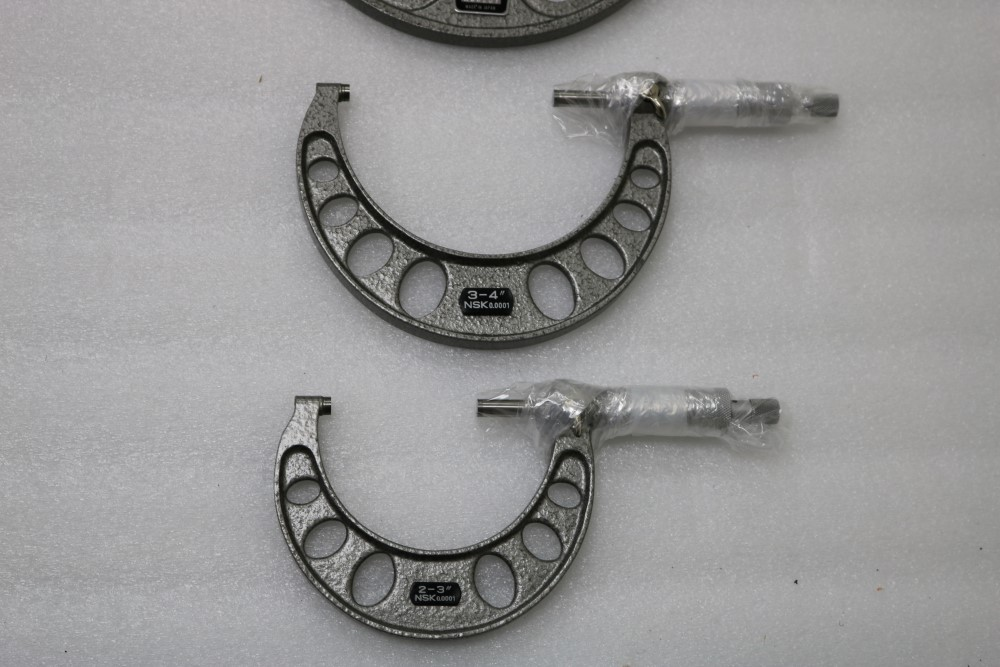 "Lot 22 - NSK Japan OD Micrometer Set, 0-1"" , 1-2"", 2-3"", 3-4"", 4-5"", 5-6"""