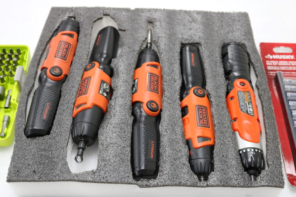(4) Black and Decker Lithium Pivot Drivers with Chargers and (1) Black and Decker Pivot Driver. - Image 2 of 6