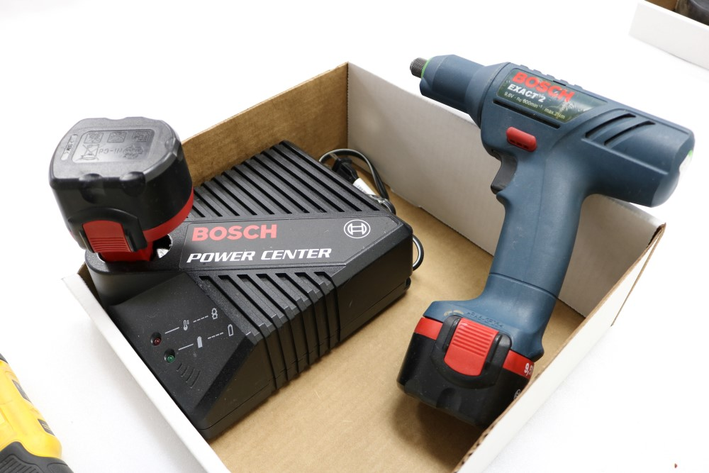 Bosch Exact Z Cordless Drill with Power Station and Two Batteries, Dewalt Gyroscopic Technology Hand - Image 4 of 6