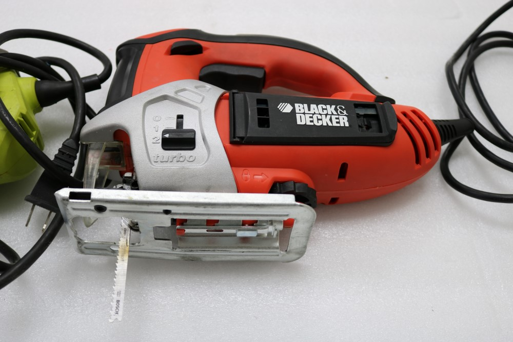 Ryobi Variable Speed Jig Saw with Speedmatch Black and Decker Variable Speed Jig Saw in Bag Model - Image 4 of 5