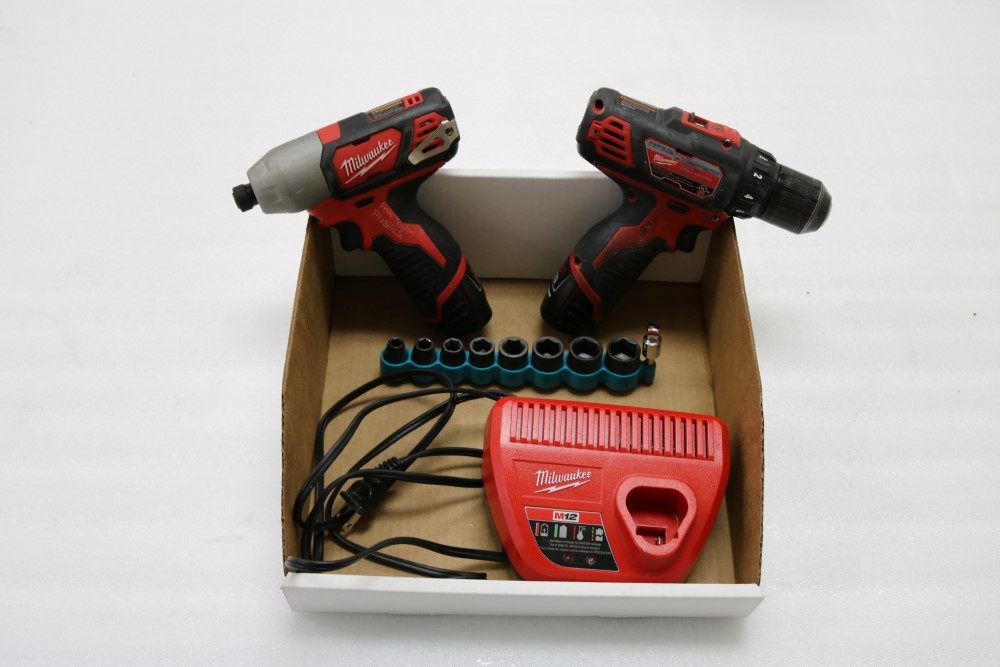 "Milwaukee 1/4"" Hex Impact Driver Cordless, Milwaukee 3/8"" Drill Driver Cordless, Charging Station"
