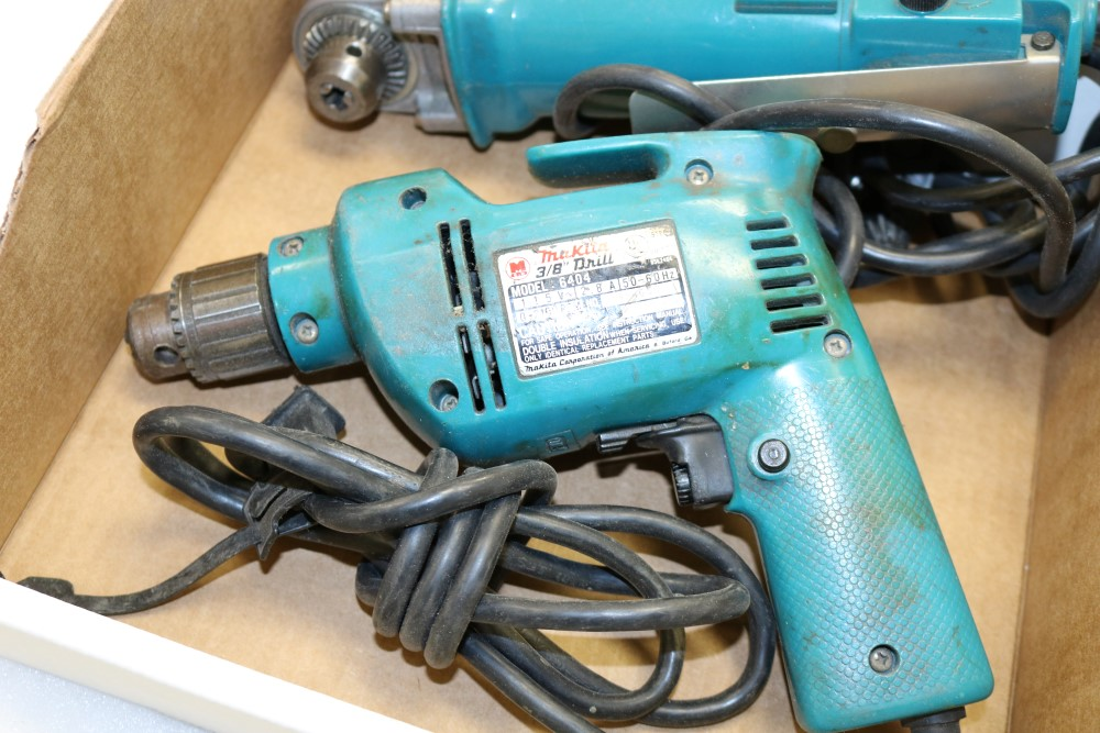 "Makita 10mm Angle Drill, Model DA3000R and Makita 3/8"" Heavy Duty Corded Drill - Image 2 of 6"