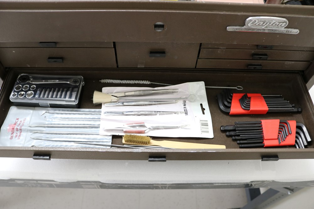 Assembly Crew Toolbox with Pittsburgh 18 Piece Offset Handle Ball Point and Hex Key Wrench Set, With - Image 13 of 18