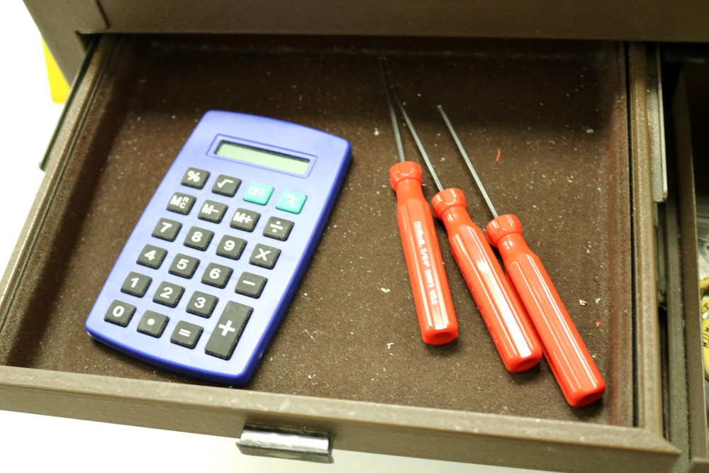 Assembly Crew Toolbox with Pittsburgh 18 Piece Offset Handle Ball Point and Hex Key Wrench Set, With - Image 8 of 18