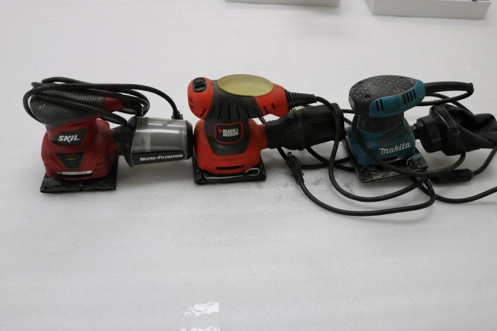 Lot 54 - Skil Model 7292 Oribital Palm Sander, Makita B04556 Orbital Sander, Black and Decker Corded Sheet
