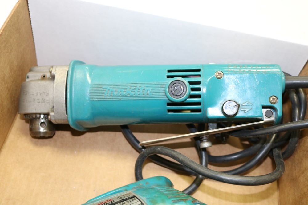 "Makita 10mm Angle Drill, Model DA3000R and Makita 3/8"" Heavy Duty Corded Drill - Image 3 of 6"