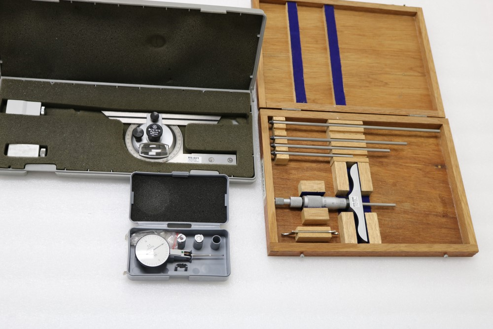 "Mitutoyo Universal Bevel Protractor Set and NSK Depth Gage Micrometer Set 0.001 - 6"". Tesatast - Image 2 of 6"