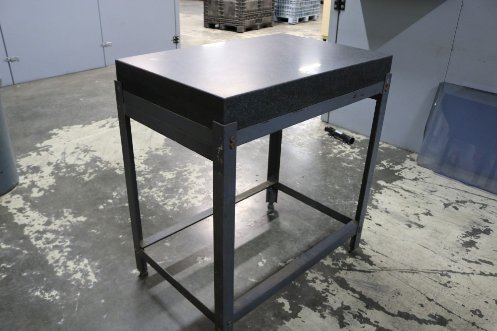 "Black Granite Surface Plate on Metal Stand 2' x 3' x 4"" - Image 2 of 6"