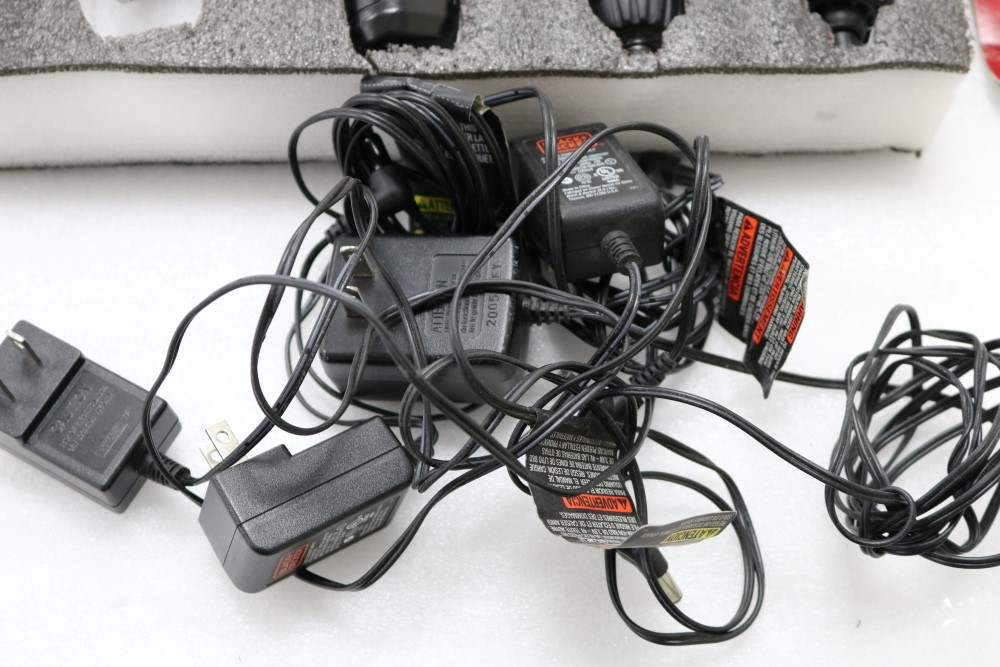 (4) Black and Decker Lithium Pivot Drivers with Chargers and (1) Black and Decker Pivot Driver. - Image 5 of 6