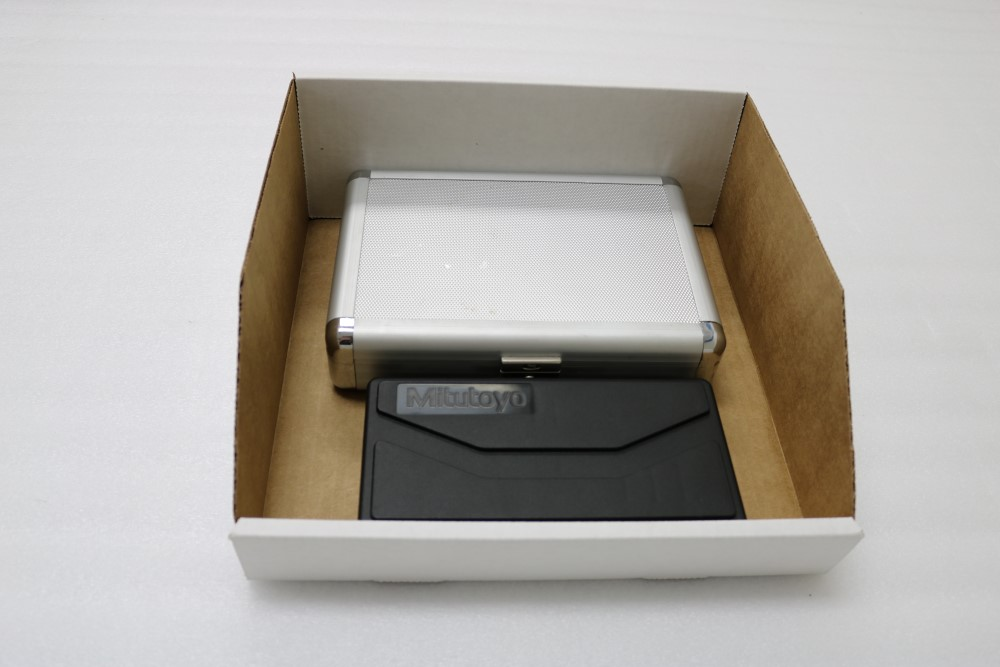"""Lot 18 - Mitutoyo Digimatic Micrometer 0.00005 - 1"""" and Fowler Outside Digital Caliper 0.01 - 6"""""""