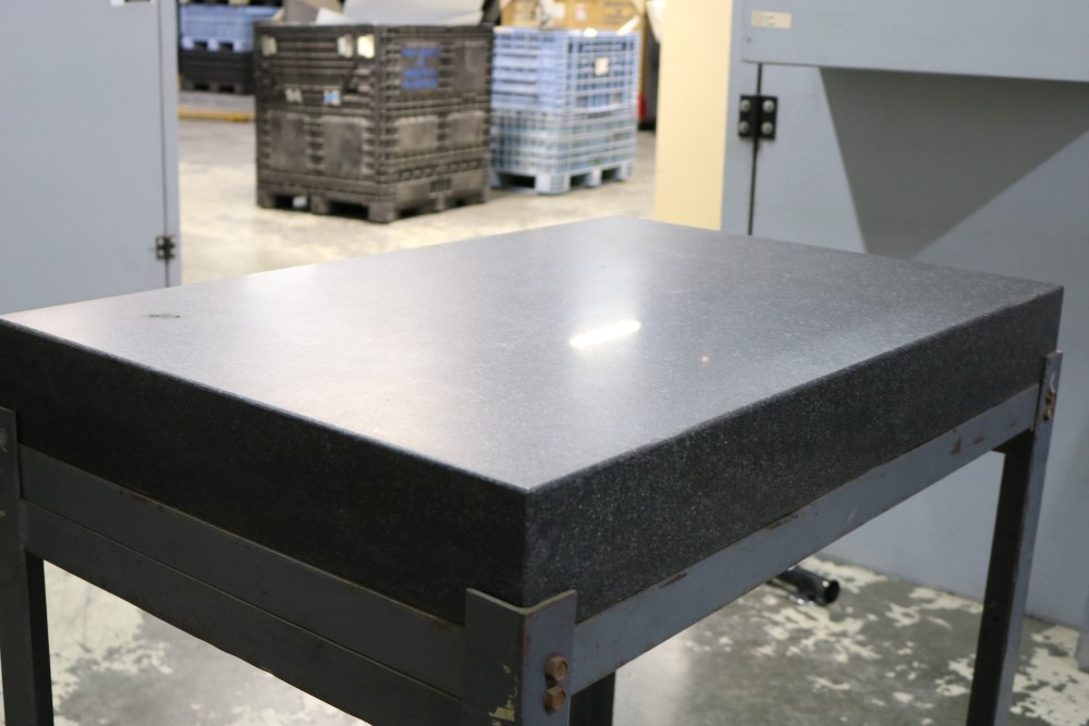 "Black Granite Surface Plate on Metal Stand 2' x 3' x 4"" - Image 3 of 6"
