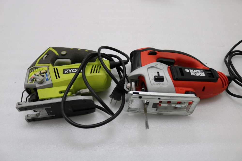 Ryobi Variable Speed Jig Saw with Speedmatch Black and Decker Variable Speed Jig Saw in Bag Model - Image 2 of 5