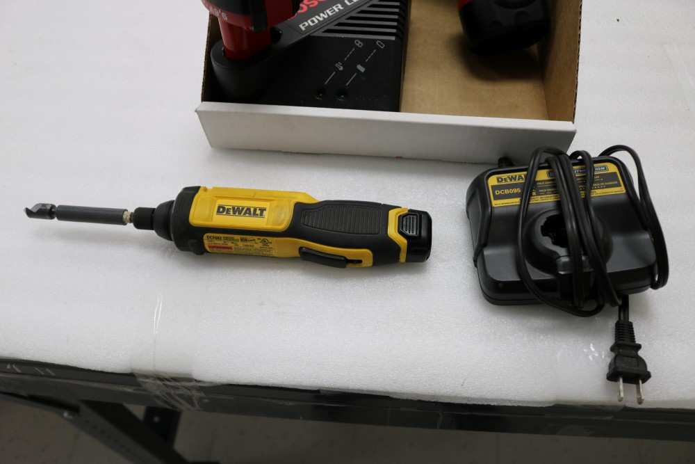 Bosch Exact Z Cordless Drill with Power Station and Two Batteries, Dewalt Gyroscopic Technology Hand - Image 5 of 6