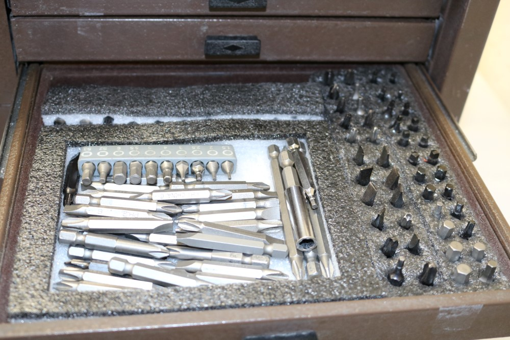Assembly Crew Toolbox with Pittsburgh 18 Piece Offset Handle Ball Point and Hex Key Wrench Set, With - Image 12 of 18