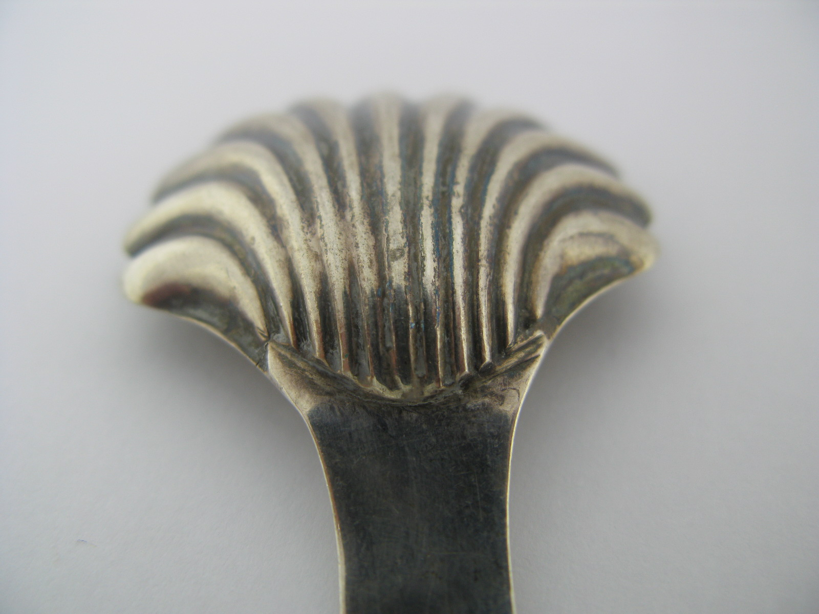 Lot 17 - A Hallmarked Silver Caddy Spoon, possibly Hester Bateman (mark rubbed), London 1786, with shell bowl