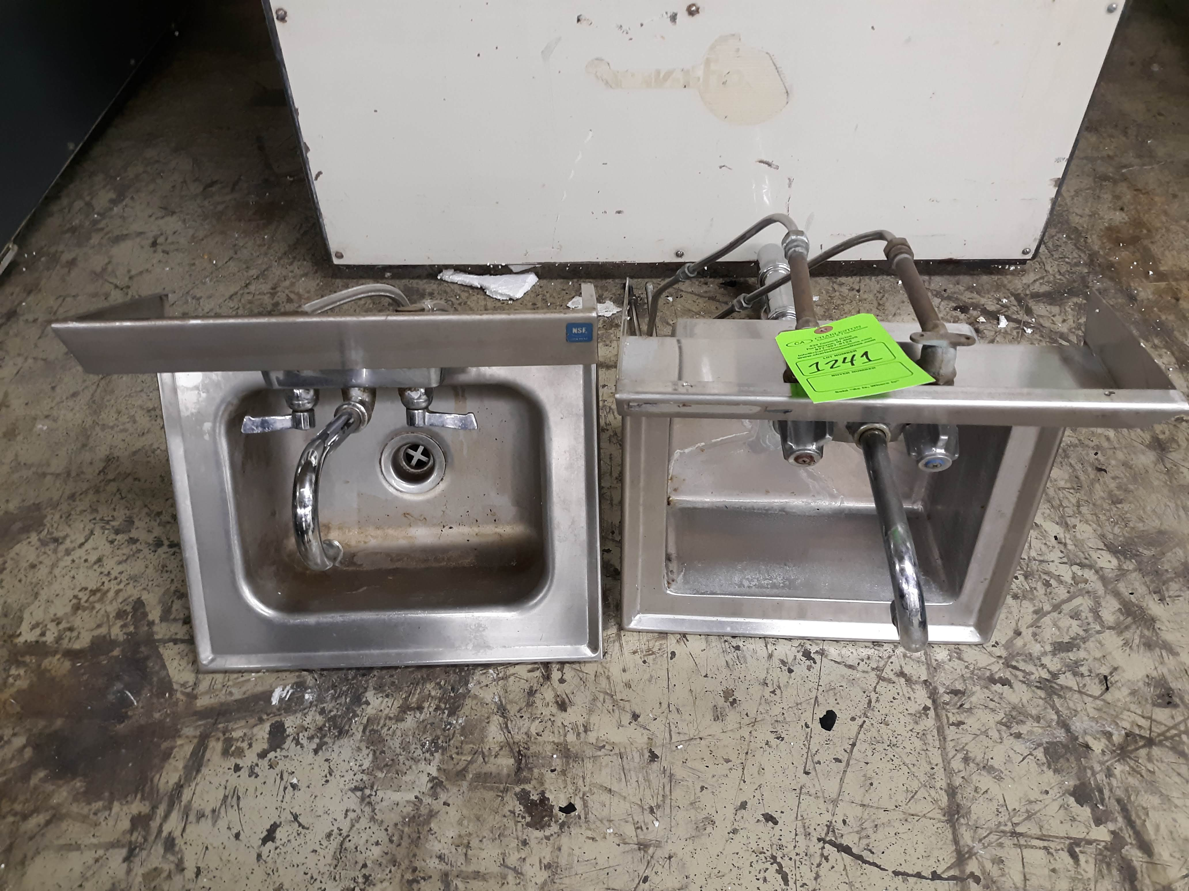 (2) STAINLESS STEEL SINKS (RESTAURANT EQUIPMENT) (LOCATED AT: 433 COUNCIL DRIVE, FORT WAYNE, IN