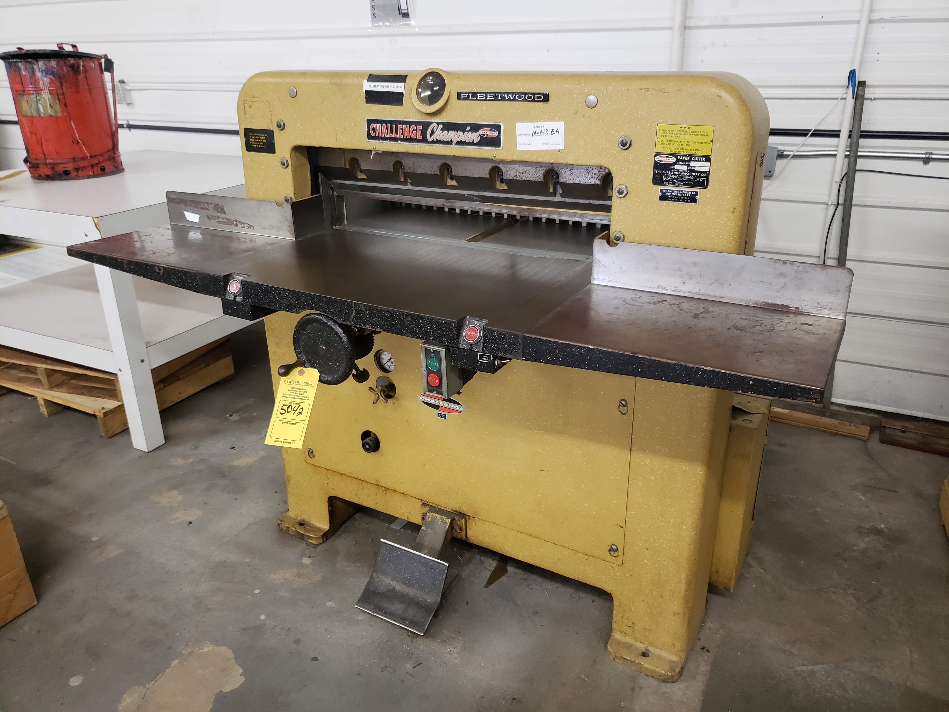 Lot 5042 - CHALLENGE CHAMPION FLEETWOOD PAPER CUTTER MODEL-MB S#5534 SIZE:305 (LOCATED AT: 16335 LIMA ROAD