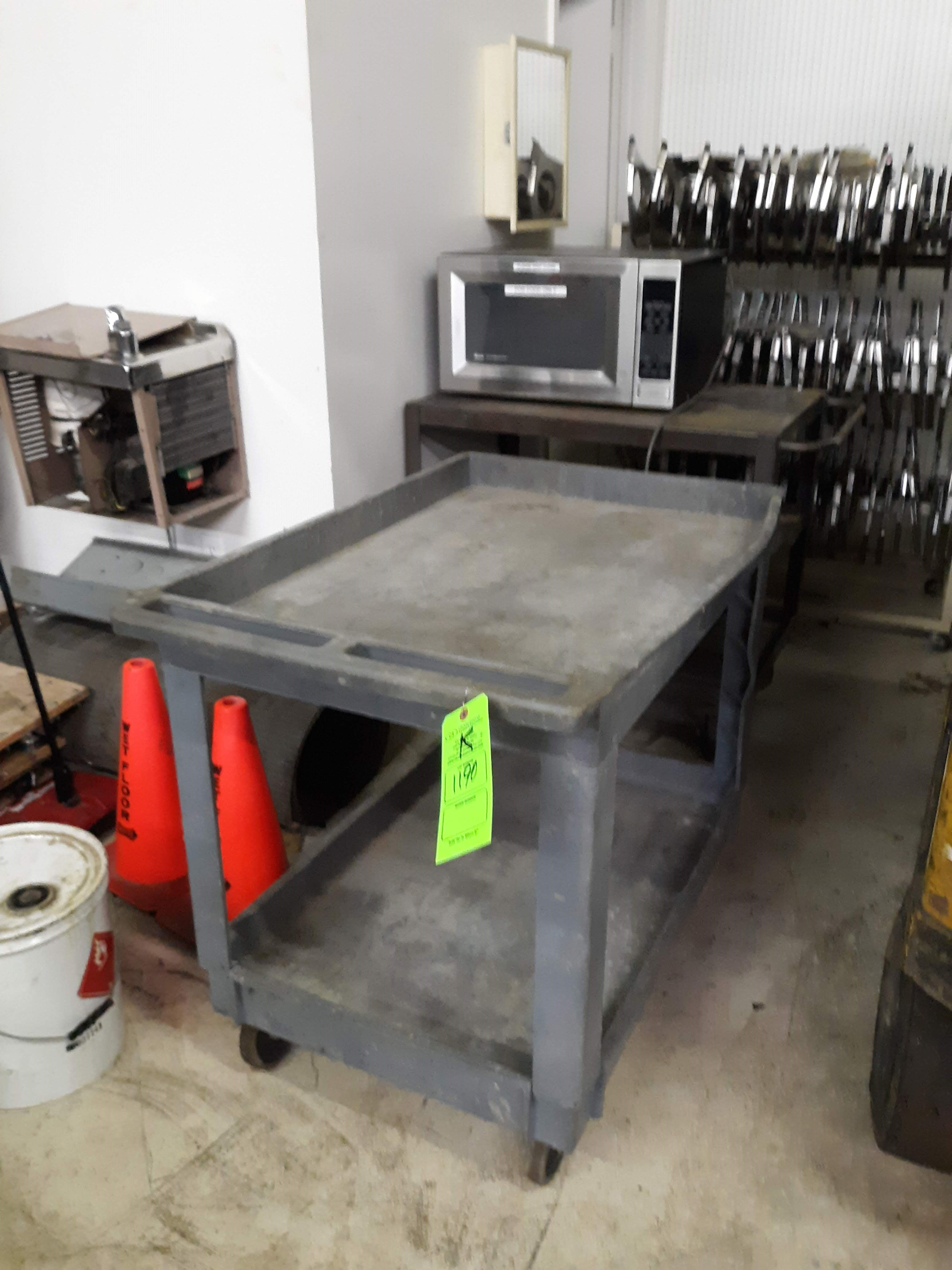 RUBBERMAID PLASTIC UTILITY CART (LOCATED AT: 432 COUNCIL DRIVE, FORT WAYNE, IN 46825)