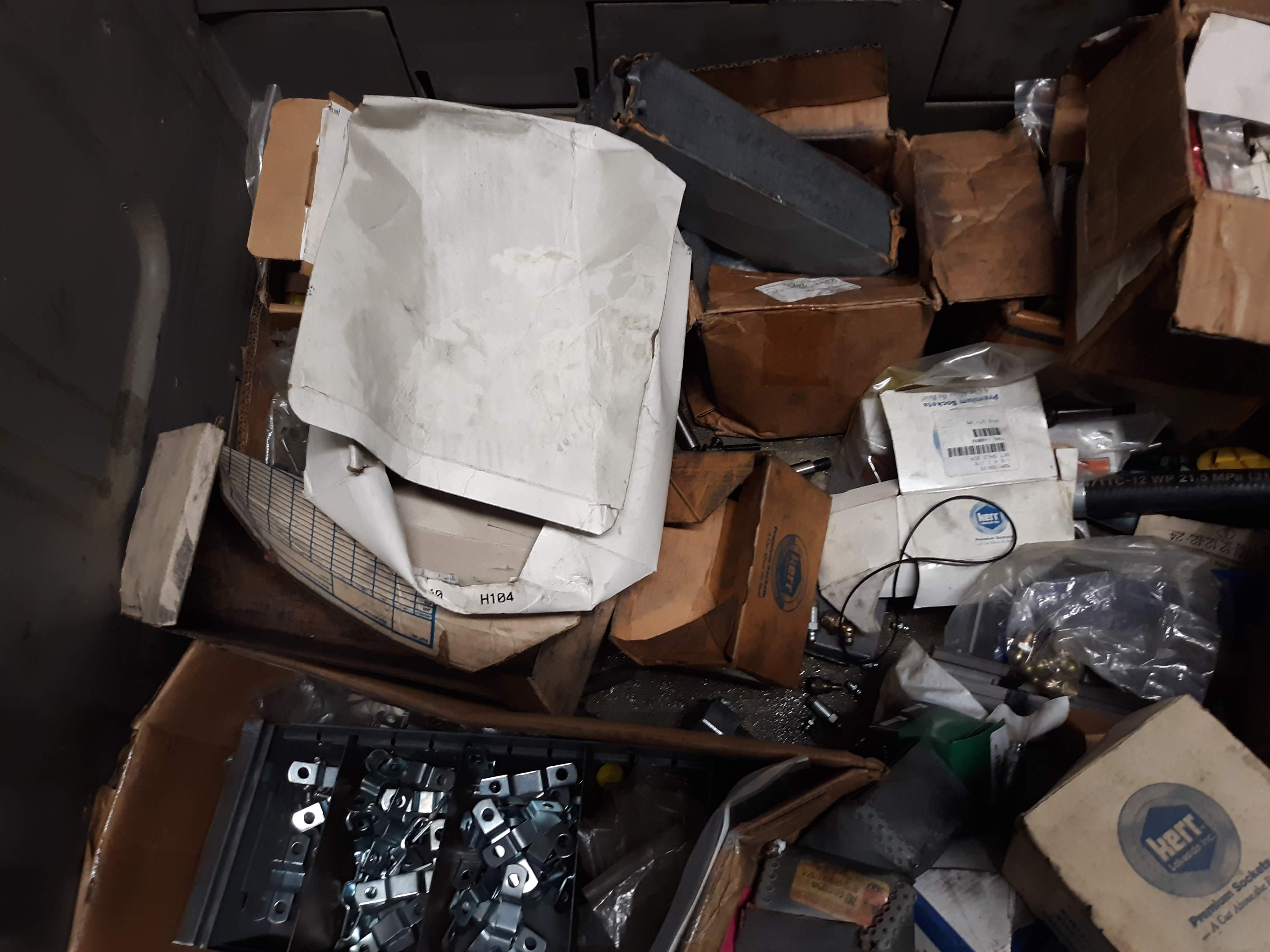 CRATE & CONTENTS; O-RINGS; VARIOUS FASTENERS; CLIPS & HARDWARE (LOCATED AT: 432 COUNCIL DRIVE, - Image 4 of 7