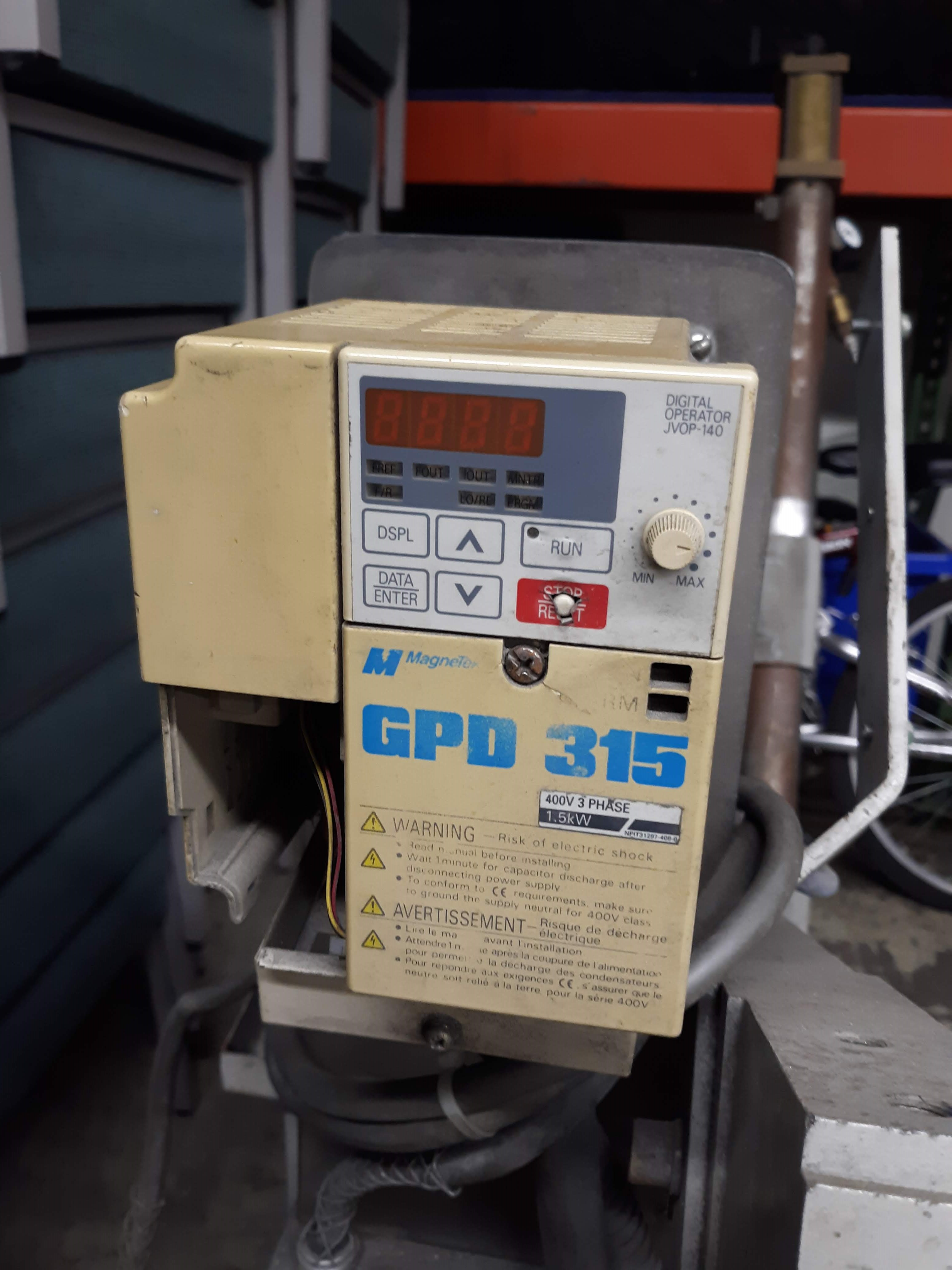 HAMMOND ABRASIVE BELT GRINDE MODEL-DBG-132 S#4066 3HP/1780RPM/3PH/60HZ(LOCATED AT: 433 COUNCIL - Image 3 of 4