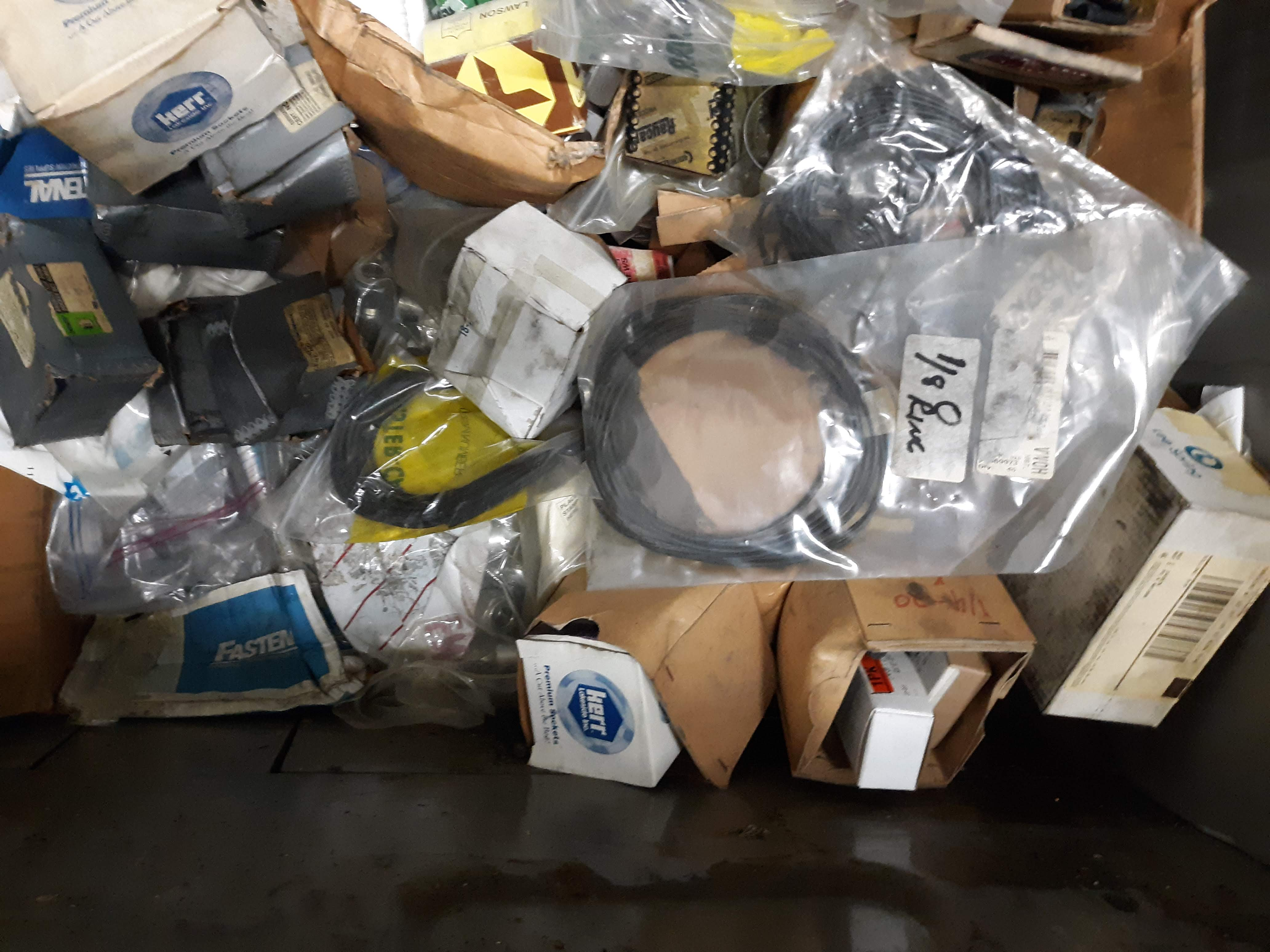 CRATE & CONTENTS; O-RINGS; VARIOUS FASTENERS; CLIPS & HARDWARE (LOCATED AT: 432 COUNCIL DRIVE, - Image 6 of 7