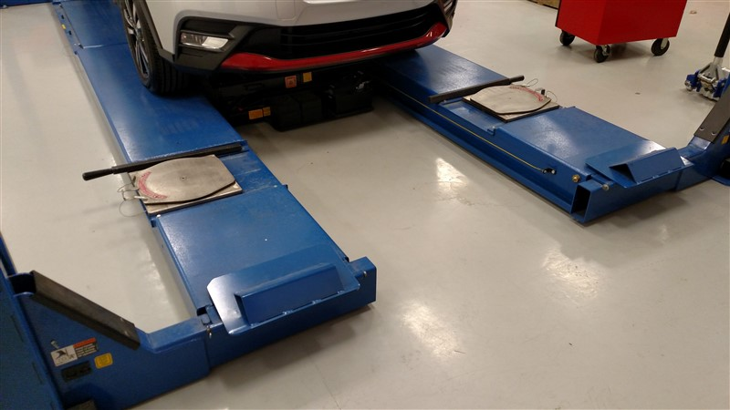 Lot 19 - Rotary ARO12N-001 / 12,000 Lb. 4-Post Surface Alignment-Rack Lift (Model Year: 2006) s/n ...