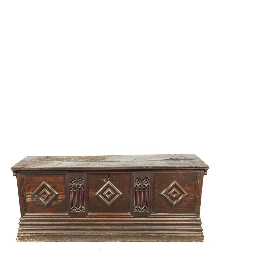 Arca G Tica En Madera De Nogal S Xvi Ornamentaci N Tallada De  # Muebles Directo Cee