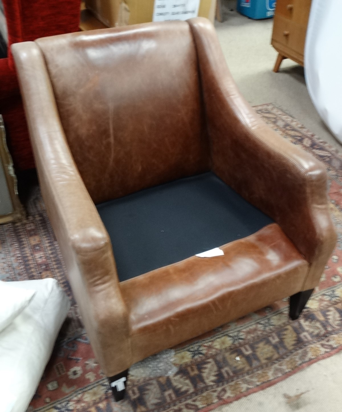 Lot 58 - Leather chair CONDITION: Please Note - we do not make reference to the condition of