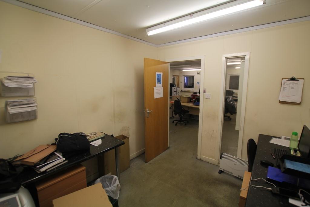 4 Bay Modular Office Building 12m x 10m - Image 5 of 18