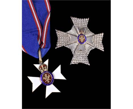 Royal Victorian Order, KCVO, Knight Commander's neck badge and breast star, in case of issue with corresponding documents (2)