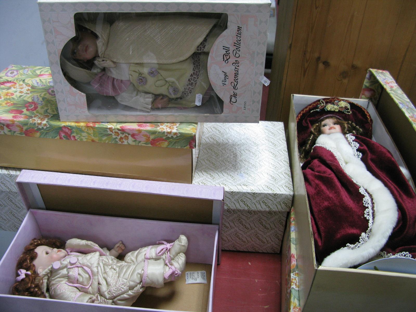Lot 1052 - Two Leonardo, three Alberon and Knightsbridge collection dolls.