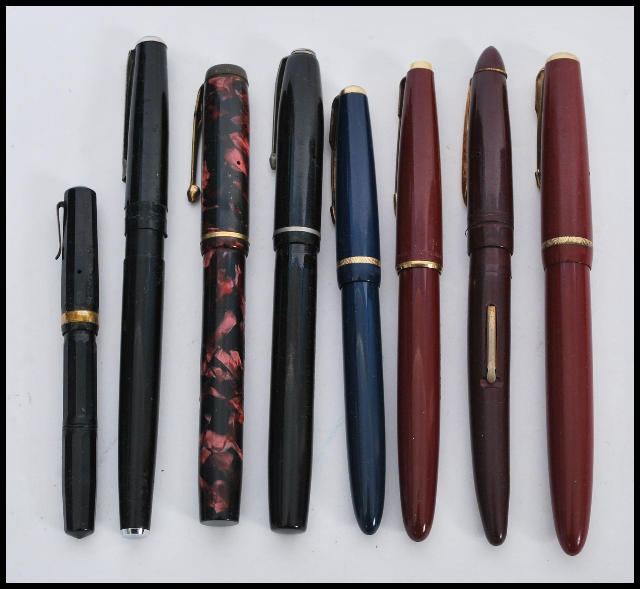 A collection of vintage 20th Century assorted fountain pens