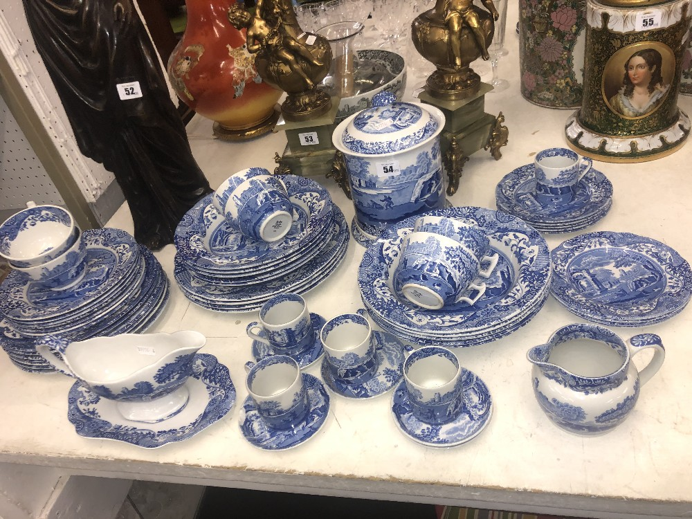 Lot 54 - A quantity of blue and white Spode china