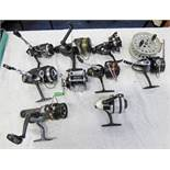 TEN MIXED FISHING REELS INCLUDING SPINNING REELS, PENN NO.