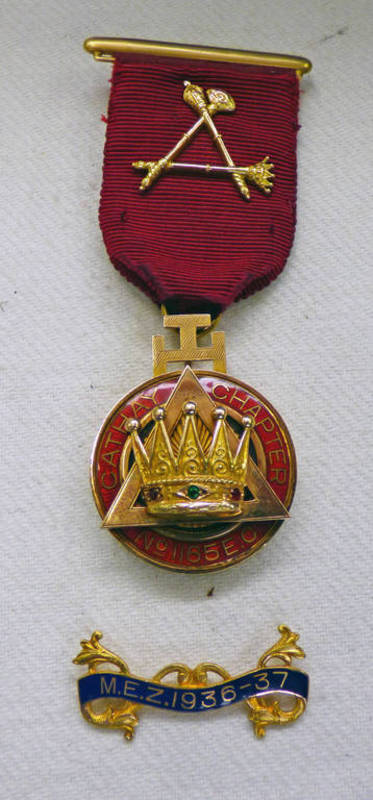 """Lot 1501 - 14 CARAT GOLD CATHAY CHAPTER MASONIC MEDAL TO """"M.E.COMP: G.F."""