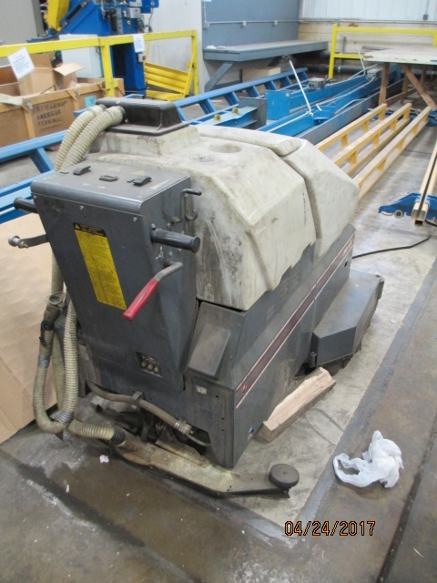 Lot 41 - Advanced Model 38LX Electric Floor Scrubber