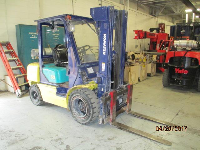 Lot 2 - 5,550 LB Kamatzu Fork Lift