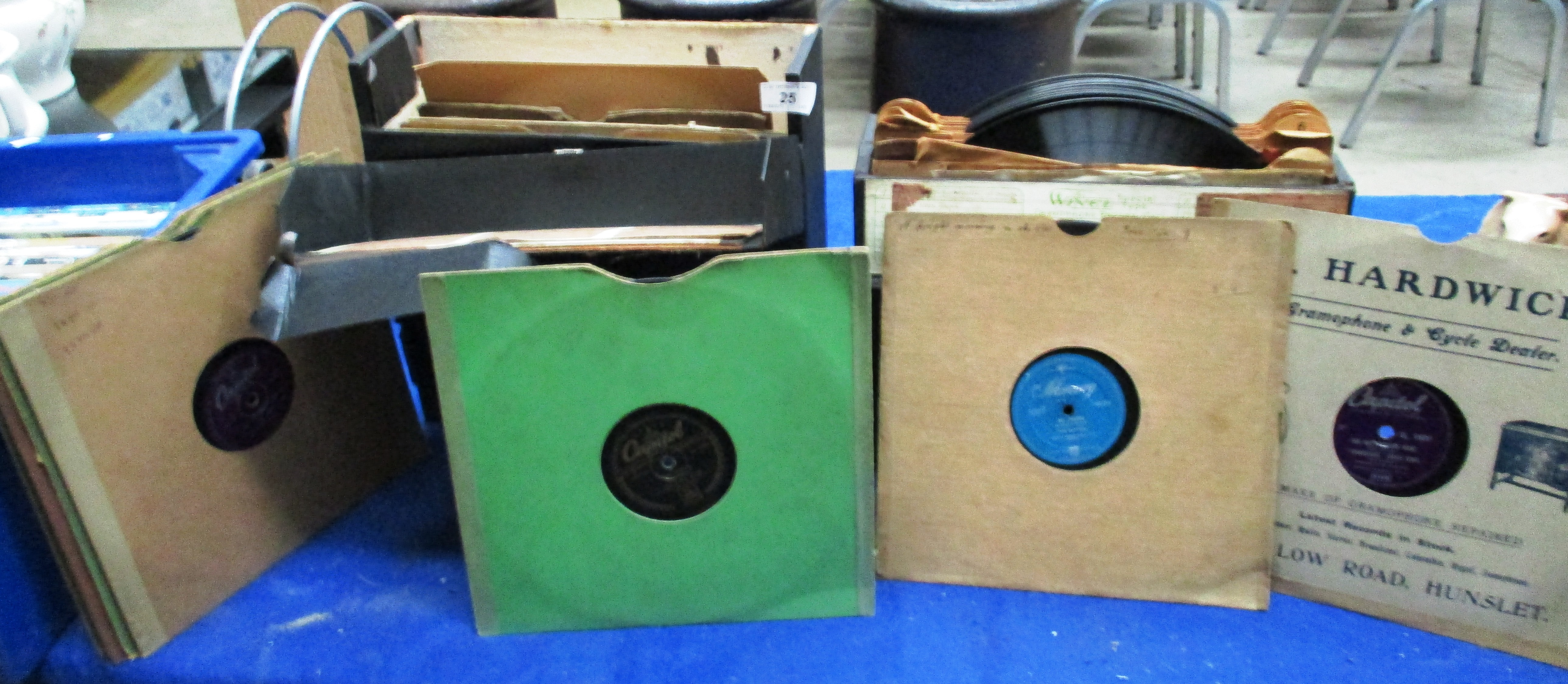 Lot 25 - Contents to 2 Gramaphone record cases - a quantity of 78rpm records - The Platters, Nat King Cole,