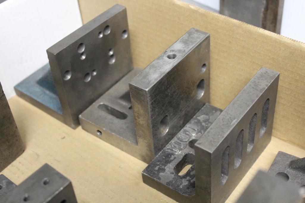 Lot 4 - Precision right angle blocks