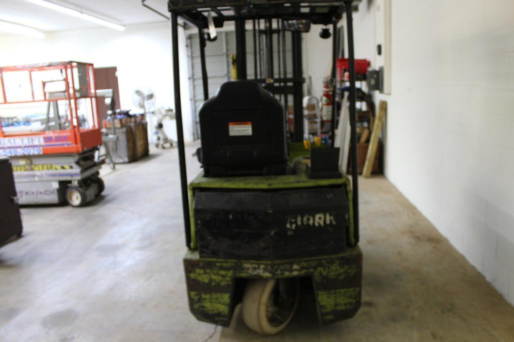 Lot 51 - Clark TM15S 3 wheel electric fork truck