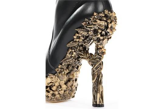 Alexander McQueen black leather thigh
