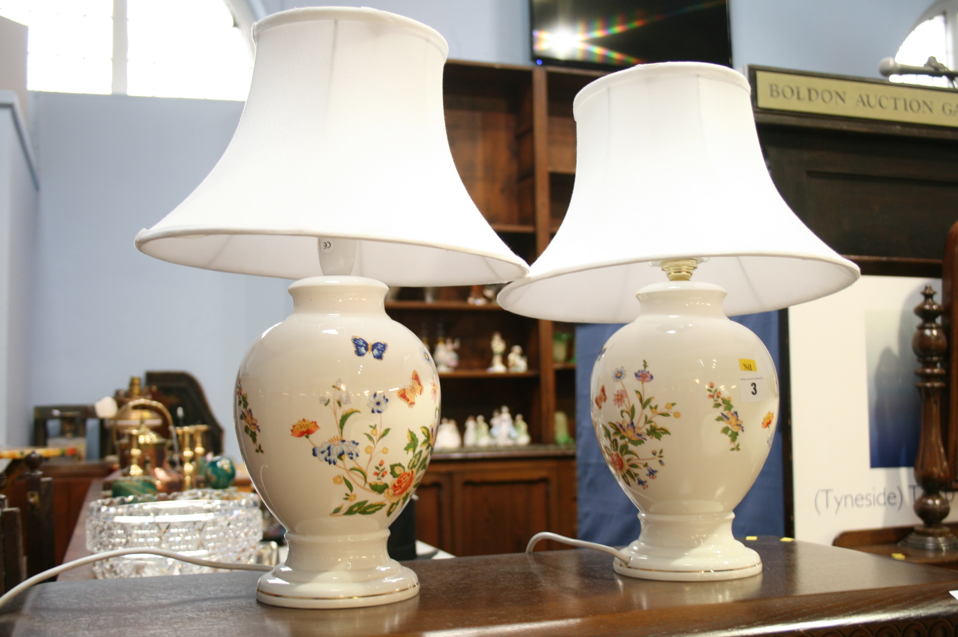 Lot 3 - Pair of Aynsley table lamps