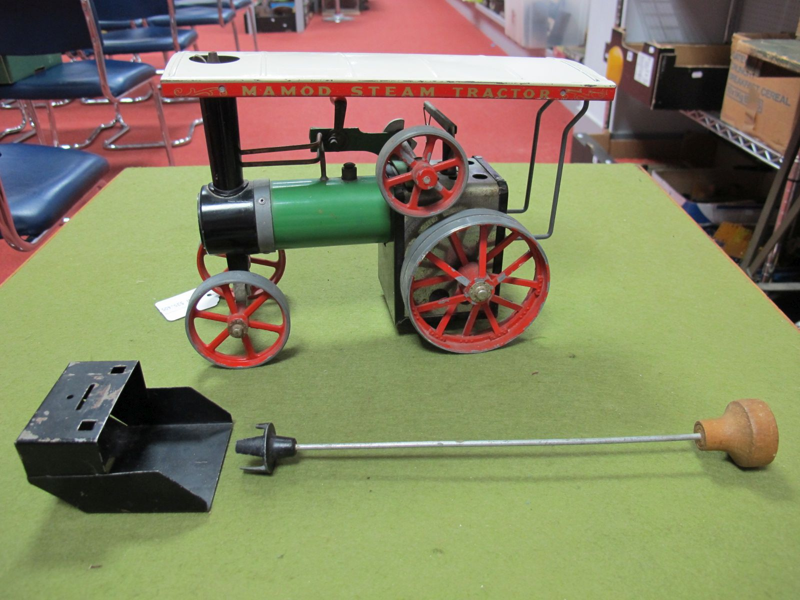Lot 21 - A Mamod Live Steam TE1A Traction Engine, model has been steamed, with scuttle and in correct