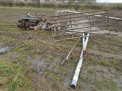 Lot 8 - Heap of metal work